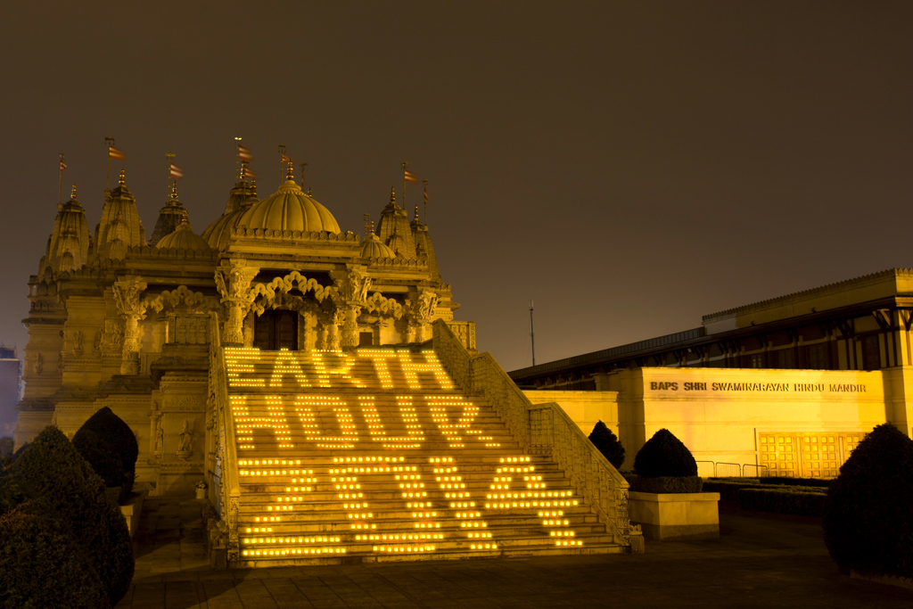 Earth-hour-2014-1