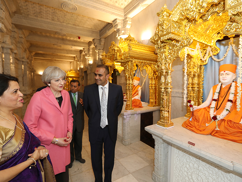PM_Theresa_May_visits_London_Mandir_170603 (07)