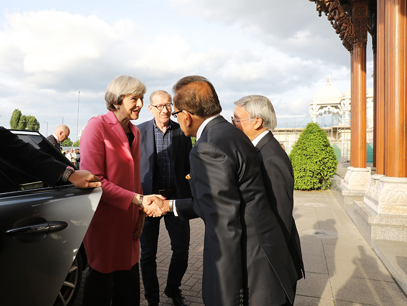 PM_Theresa_May_visits_London_Mandir_170603 (1)