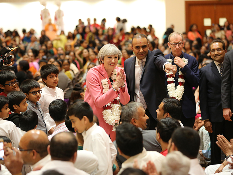 PM_Theresa_May_visits_London_Mandir_170603 (14)
